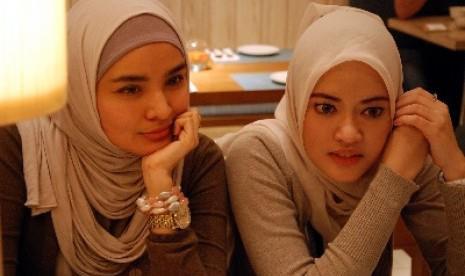 Muslimah coklat berdua