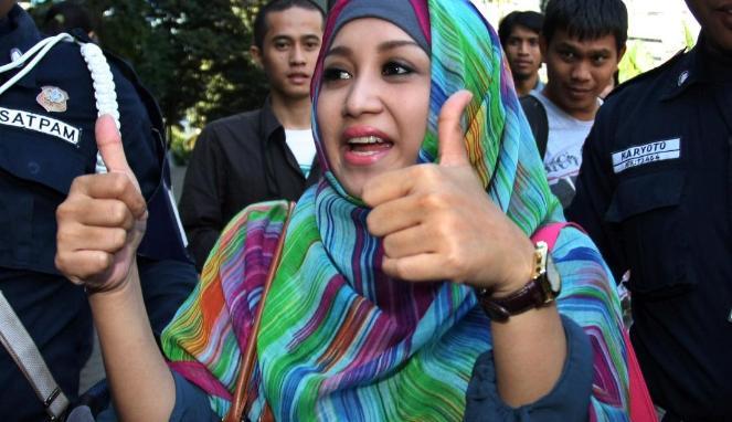 septi-sanustika--istri-ahmad-fathanah 663 382