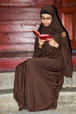 Baca Qur'an wanita