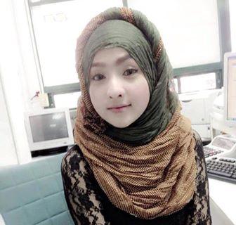 Anak cewe jilbab
