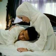 Pasangan suami istri yg bahagia