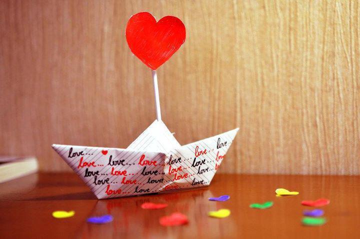 Hati dan perahu kertas