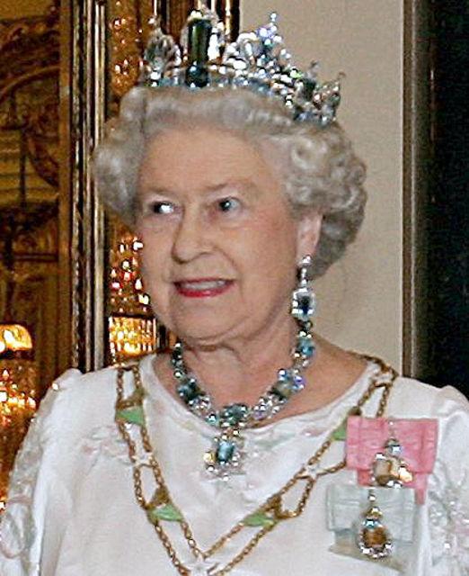 Ratu-Elizabeth-II